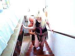Blonde Cant Resist Baise de la piscine