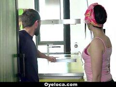 OyeLoca - Limpiador Latinas y limpia la casa y cagarla !