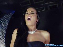 babes CFNM cockriding sul bus limo partito