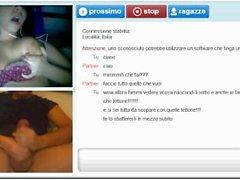 """Ragazza italiana fa la troia """"a metà"""" chiudendo la chat...."""