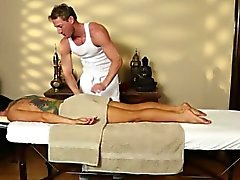 Busty Romi Effacer dénude des de massage