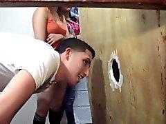 Adolescenti amatoriale fa girare attraverso Buco glorioso