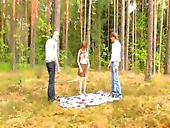 Ormanda Amatör letonya üçlü