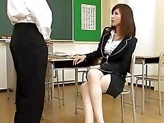 Sınıf içinde Öğrenci için Blowjob verilmesi Öğretmen