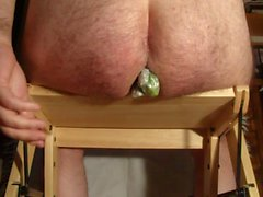 Extrême insertion 4 concombre dans mon cul