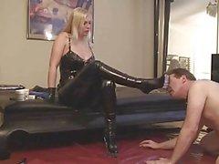 strapon - sedução com a menina loura