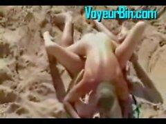 sexo na areia na praia