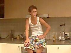 18anni str8 australiana tinea diventa mungeva dalla omosessuali