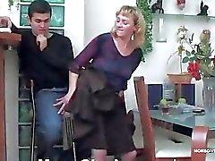 Mulher madura fodido na bunda