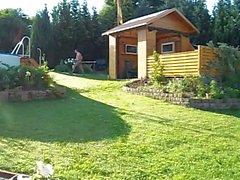 Nylons im Garten
