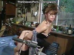Рене Морган Marc Wallice в сексуальный байкером кур трахается в