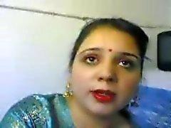 mulher indiana se masturbando