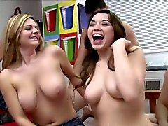 Sluts universitari tits jizzed