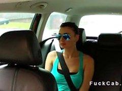 stronzi adolescenti ricattati in taxi, finto