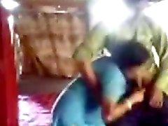 Caliente bengalí la esposa aspira y se folla en secreto de uno rápido vestida audio bengalí de