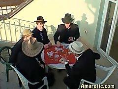 Rooli peli 5 : mafian puolueen