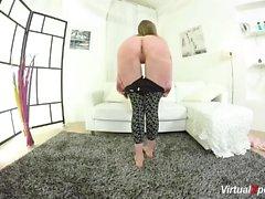Flexi teen desnudo estiramiento