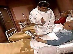 Infermiere Corrupt si divertono con il paziente