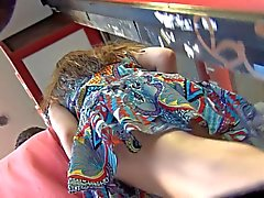 Upskirt Voyeur Särskilda Walking with Boyfriend