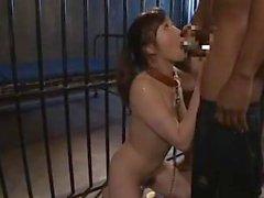 Siyah sorgulayıcıları bir Japon kadın casusu işkence 4