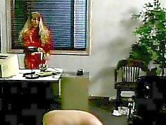 Della vite prigioniera spanking Mistress in ufficio