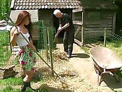 Vanha maanviljelijä helvetin tyhjään pikkuriikkinen palvelijani