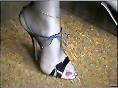 piedi e alle gambe