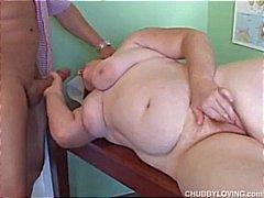 Mollige amateur redhead houdt van cum