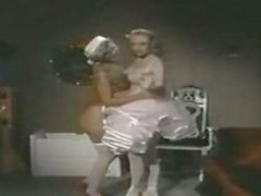 Es el Alicyn ley para tetona de ser de la bailarina ?