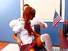 Delgado la colegiala Latina seduce a su profesor de