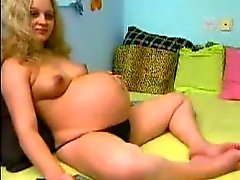 preggo ragazza di a di webcam nel