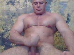 Roumaine Bodybuilder Cums sur Cam Big Load