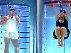 bomba brasiliana su gameshow upskirt nella vasca