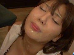 Di Karen di Natsuhara caldo milf goed brutto su un grande gallo