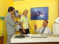 Nicoletta Blue - sekreterare knullad på kontoret
