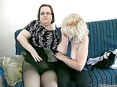 Dirty Blonde avó adora foder uma gordura
