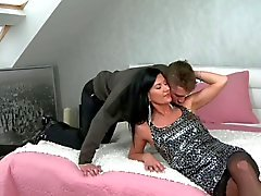 40yr Stunning Pounded