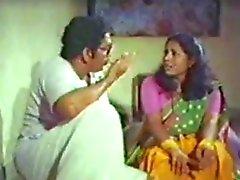 Mallu aunty bröst åtnjuter giriga farbror