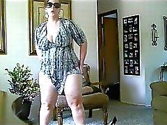 Ursula BBW MILF Striptease