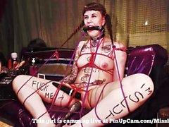 Il mio schiavo legato e giocato con ....