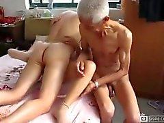 старика наслаждайтесь женщинами