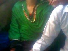 Bus'ta Bangladeşli Aşık