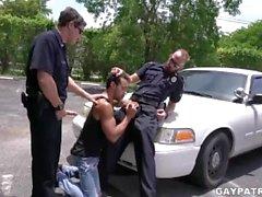 Perp penale ottiene It Hard da due cornea Cops Cercando di cazzo duro