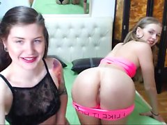 Hardcore lesbisk masturbation i webcam action