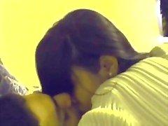 Hint Teen Couple Öpüşme