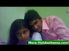 D'Indien chaudes Desi étudiants Sex More Desi ados hotdesiteens