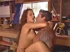 Анна Нова получает выебанная к байкеров