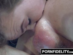 PORNFIDELITY Alyssa Cole Gets Her Asshole Stretched Out