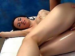 El coño atractiva brutal Gangbang anal de