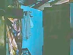 Kamalini Mukerjee scena nuda nella cinema malayalam